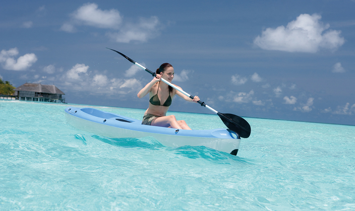 moofushi-maldives-water-activities-kayak-3.jpg